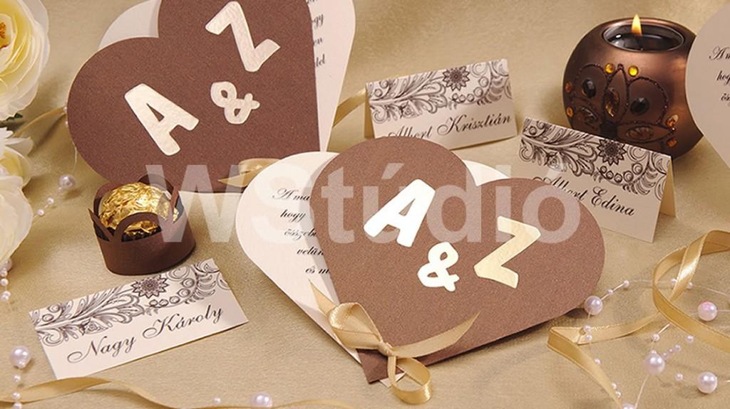 Arany monogramos esküvői meghívó