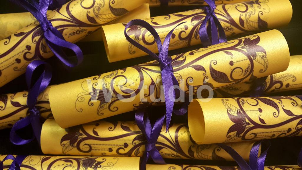 Arany tekercses esküvői meghívó
