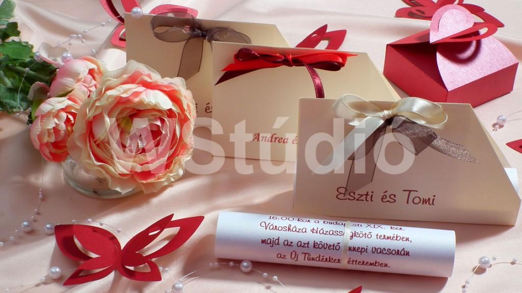 Tekercses esküvői meghívó papír tasakban