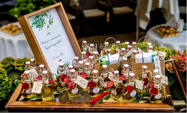 0dca88feb4 A Zsidai Group esküvőszervezésben is jártas csapatával összegyűjtöttük  néhány szuper ötletet, amellyel meglepheted a vendégeket – és még  emlékezetesebbé ...