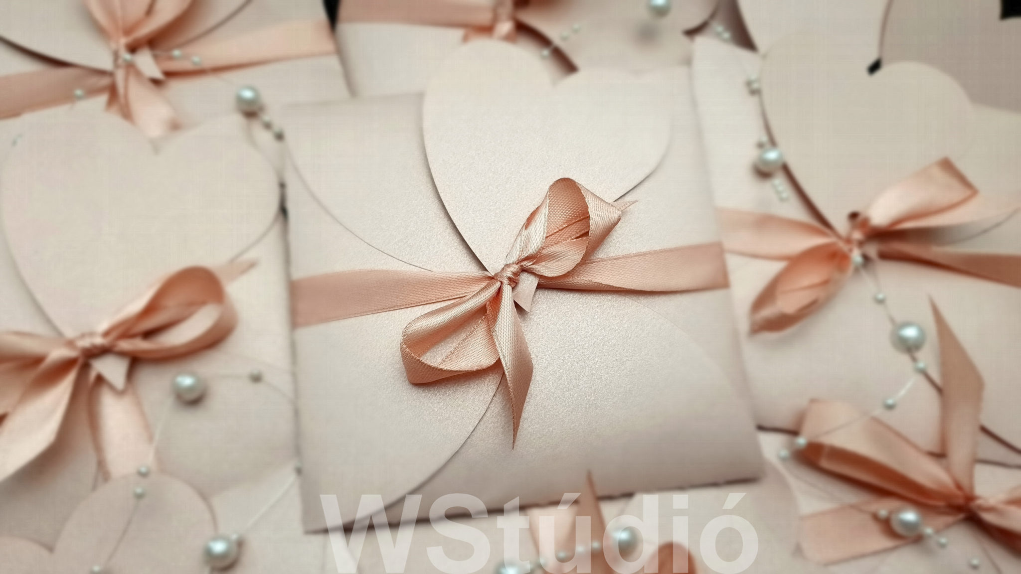 Rózsaszín esküvői meghívó